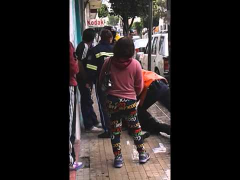 Policias apañando borrachos en tehuacan