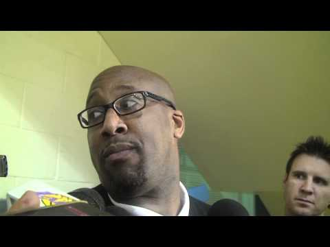 Lakers Coach Mike Brown on Kobe Bryant playing after a concussion