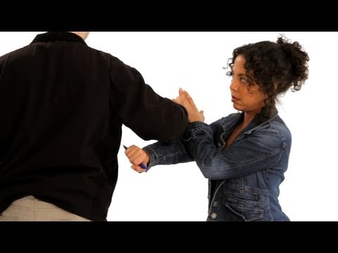 How to Use a Pen as a Weapon | Self-Defense Image 1