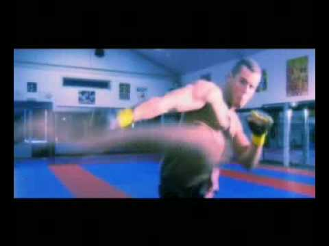 Algerino 2 hot 2 handle Video Entrance song for K1 worldchampion Sem Schilt !