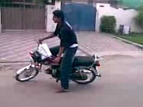 Zeede Stunts In Isb..3gp video