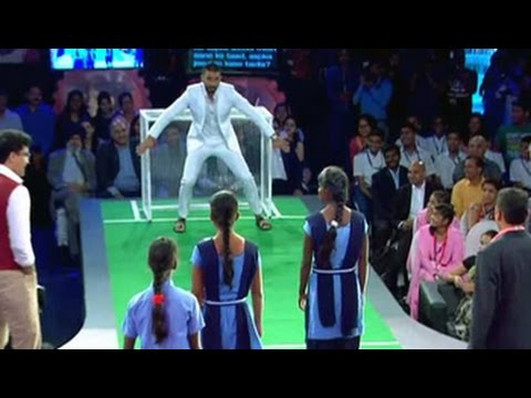 Ranveer Singh, Sourav Ganguly vs schoolgirls from Ranchi