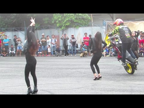 ASOY!! Freestyle Motor vs Sexy Dancers SMA (Stunt Rider Indonesia) KUSTOMFEST 2016 Burnout