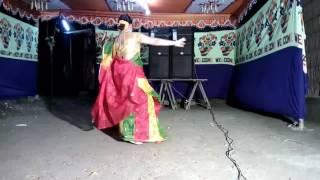 hindu meyeder dance dekle matha ghore jabe