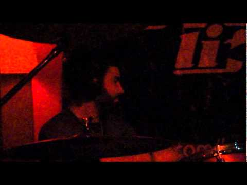Revenge Life – Give it all (Rise Against Cover) 01/07/2011 – Divina Comédia Club´n Rock