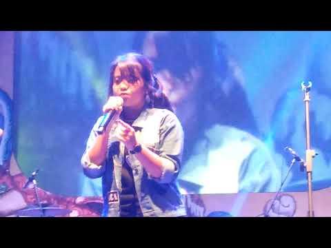 Versace On The Floor,asal kau bahagia dan perfect - caver by ( Hanin Dhiya) Live cikarang