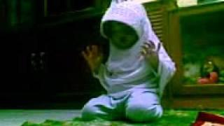 Rayya.pray to Allah.3gp
