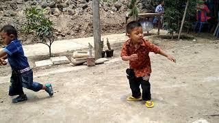 NGAKAK.. LUCU!!, 2 Anak Kecil Joget dangdut .. gokil abizz
