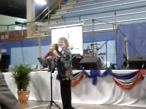 Tía Linda y Miguelito Convención Cuadrangular 2013 Costa Rica