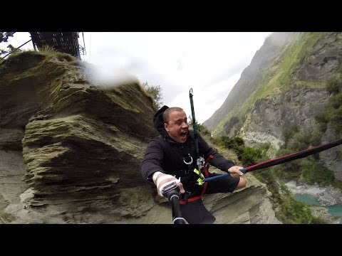 GoPro: Scary Rope Swing klip izle