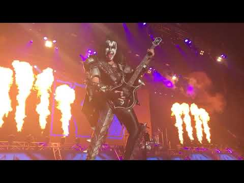 KISS, Lick It Up, The Pavilion at Toyota Music Factory, Irving, Texas 9-27-2017