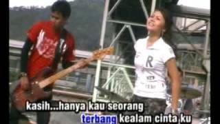 download lagu Bunga Cinta - Sonia gratis