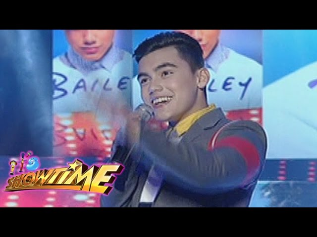 """It's Showtime: Bailey sings """"Gusto Kita"""""""