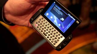 T-Mobile Sidekick 4G by Samsung Hands-on at CTIA