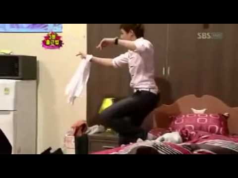 Nichkhun act as drunk person . so cutee ^^