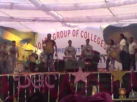 Amrinder gill live(daru)in DGC kharar light gone....
