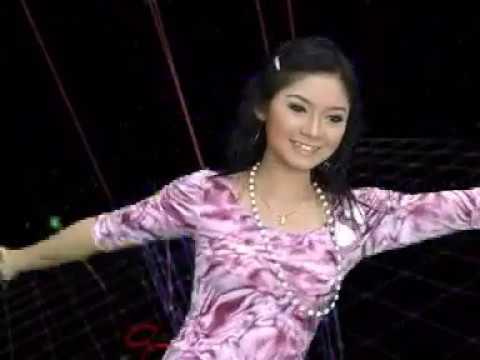 Ratna Antika - Surat Merah (Official Music Video)