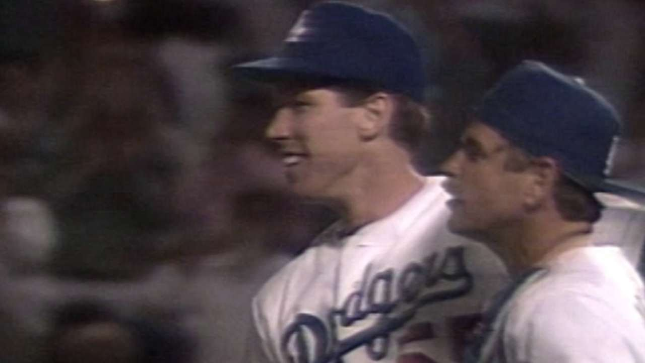 CIN@LAD: Hershiser's complete game earns 20th win