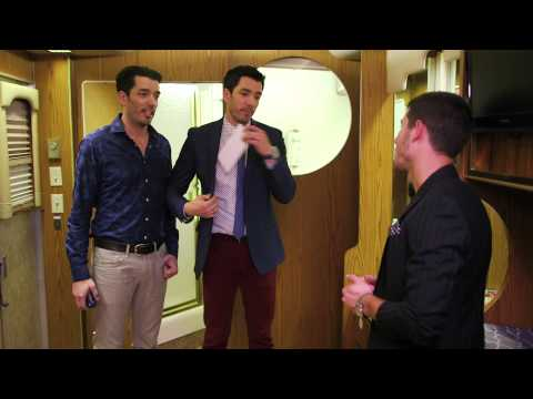 The Property Brothers Try to Sell Nick Jonas a Dressing Room at #iHeartRadio Music Festival