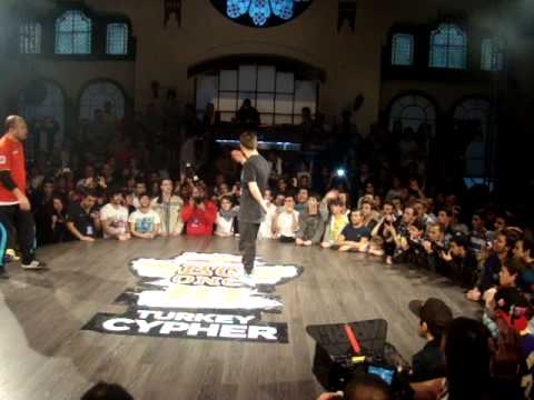 Red Bull Bc One Cypher Turkey 2013 | Flyman vs Ahmedo