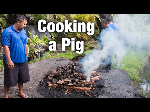 Polynesian Cultural Center Luau: How to Cook a Pig in an Imu