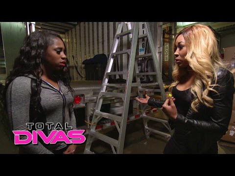 Naomi is disappointed that Cameron wants to return to NXT: Total Divas, Sept. 14, 2014