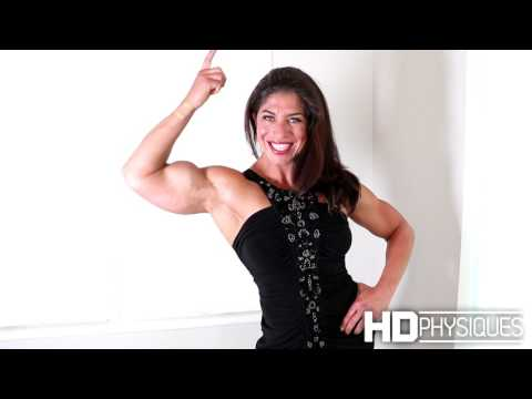 HUGE Female Muscle - Gillian at HDPhysiques