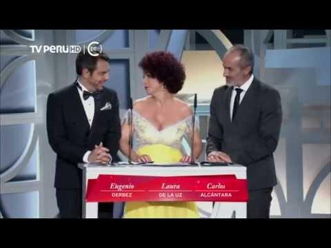 VÍDEO: Carlos Alcántara presenta a uno de los ganadores de los 'Premios Platino'