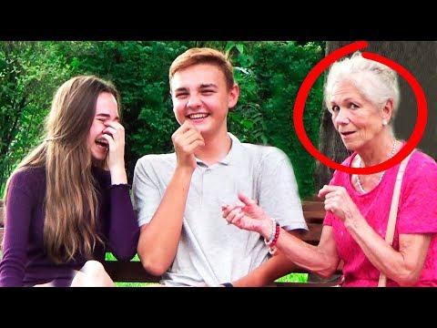 Бабушка ШОКИРУЕТ москвичей Пранк