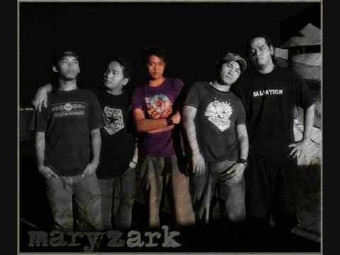 Maryzark - Pillow