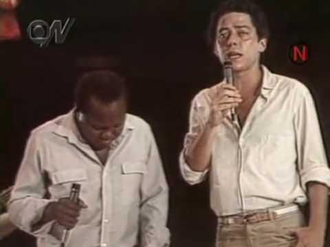 Coprire immagine della canzone Carcará da Chico Buarque