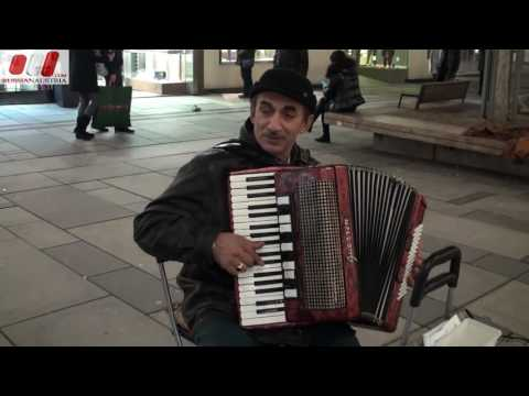Sava (Romania). Accordion. Vienna Street Performers by RussianAustria (Full HD)