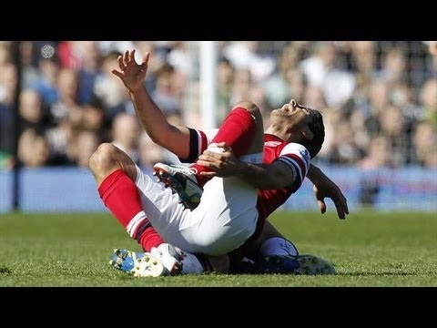 Arsenal vs Fulham  Steve Sidwell & Olivier Giroud  Red Card (1 - 0) 20/04/2013HD