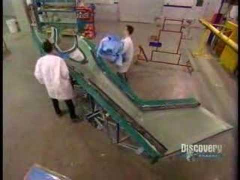 How it's made: Airplanes