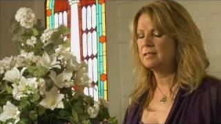 Watch Patty Loveless Diamond In My Crown video