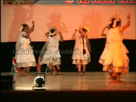 Swathi And Group Dancing On The Song I Love My India video