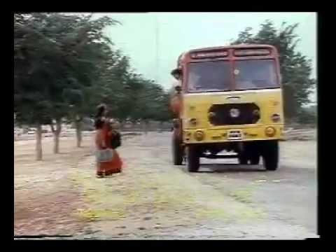 Akashamake Kanimalar - Namukku Parkkan Munthirithoppukal (1986...