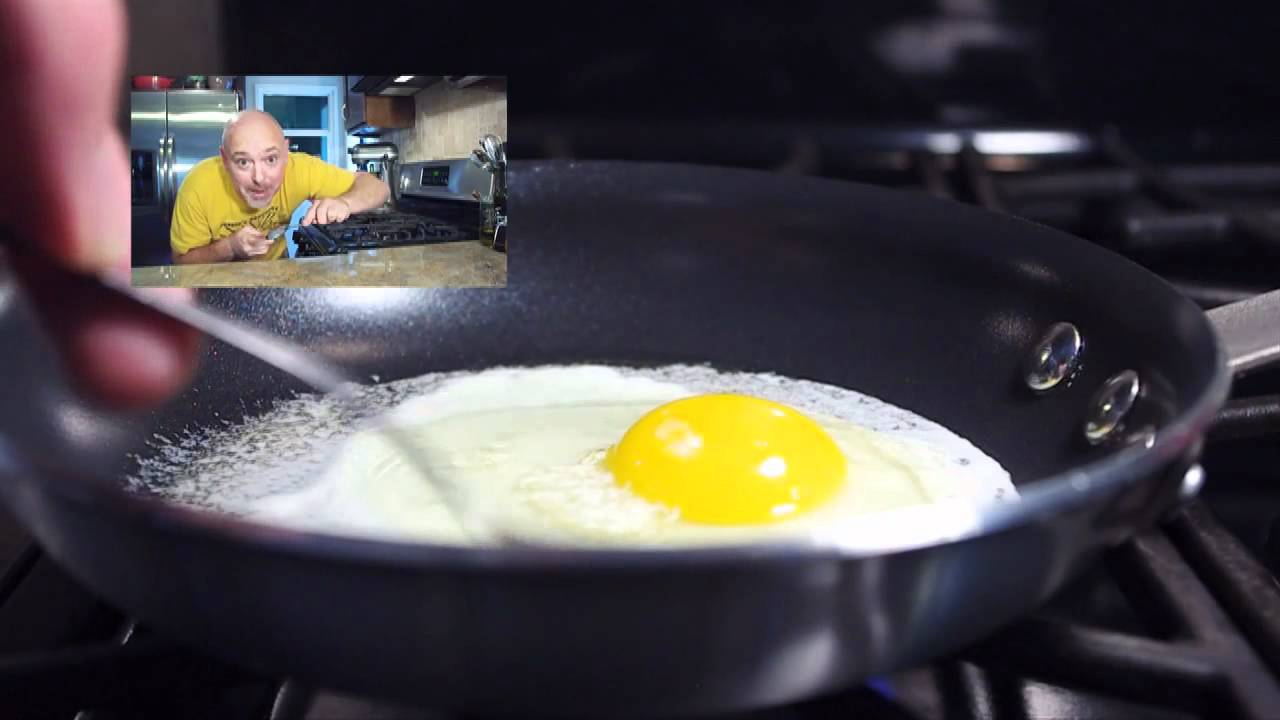 Perfect Sunny-Side Up Eggs - YouTube