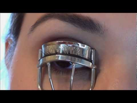 How To Curl Your Eyelashes - Perfect and Easy