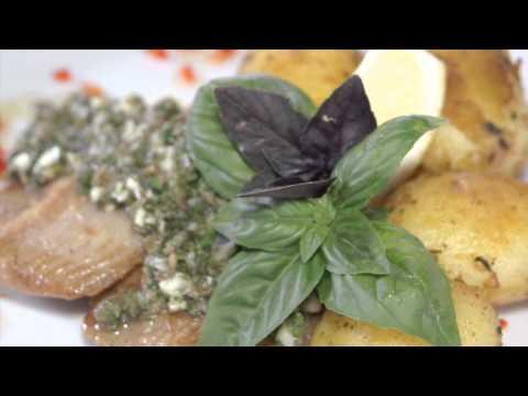 Kerti zöld fűszeres harcsaszeletek fokhagymás újburgonyával