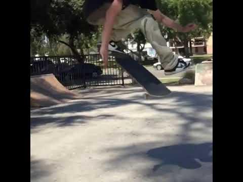 Some matrix trickery @yurifacchini   Shralpin Skateboarding