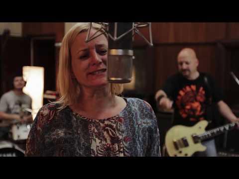 Hungarica & Horváth Gabriella - Nem kapsz kulcsot (Hivatalos videoklip / offical music video)