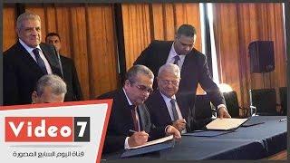 رئيس الوزراء يشهد توقيع اتفاقية بين