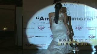 HOT Model Showing Bouncing BOOTY During Ramp Walk