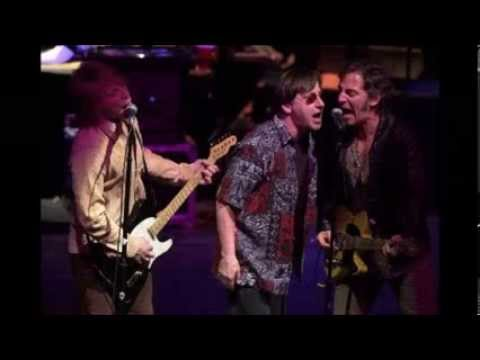 Southside Johnny & The Asbury Jukes - Christmas Is For Everyone