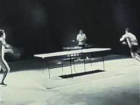 Bruce Lee plays table-tennis with Double truncation stick