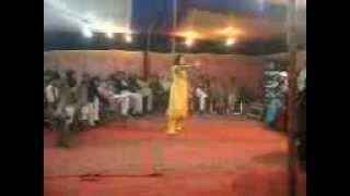 Hot Mujra  Arhtian.3gp