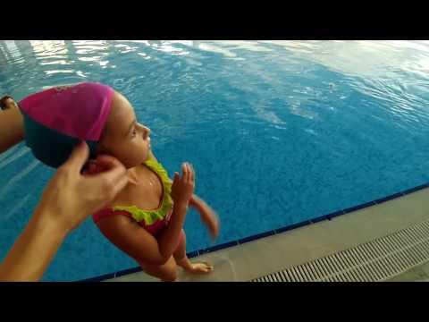 Mini tatilde havuz keyfimiz. özlemişiz, eğlenceli çocuk videosu