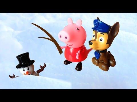 Свинка Пеппа и Щенячий патруль спасают снеговика. Им помогают Маша и медведь, миньон и пингвин.