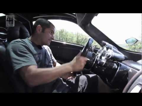 Chris Harris prueba el Pagani Huayra en Italia (Subtítulos